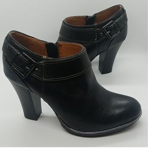 EUC~ SOFFT Willa Black Leather Boot